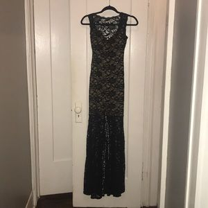 Windsor Black Lace Formal Gown